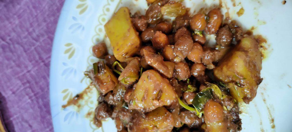 Cocoa Potato Curry